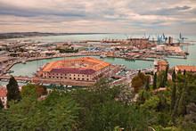 Ancona, Marche, Italy: View Of The Ancient Pentagonal Lazaretto Mole Vanvitelliana, Built On 18th-century As A Quarantine Station, In The Sheltered Harbor For Small Boats And Fishing Vessels