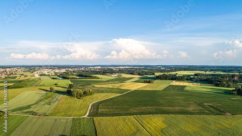 Spoed Fotobehang Blauwe hemel Luftaufnahme Gilching bei München