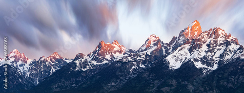 Sunrise on Snowcapped Mountains Canvas-taulu