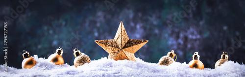 Pinturas sobre lienzo  Christmas background with golden star