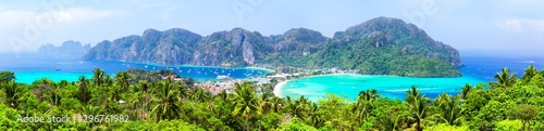 Panoramic view of beautiful tropical Phi Phi island. Wallpaper Mural