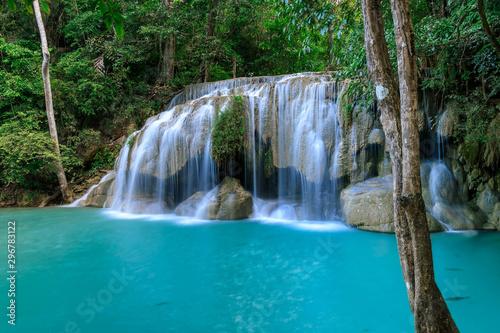 Staande foto Watervallen Waterfall level 2, Erawan National Park, Kanchanaburi, Thailand