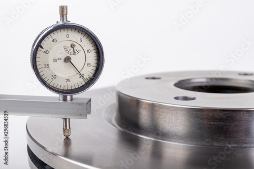 Measurement accuracy of brake discs for passenger cars Canvas Print
