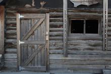 古い小屋の扉 Door Of T...