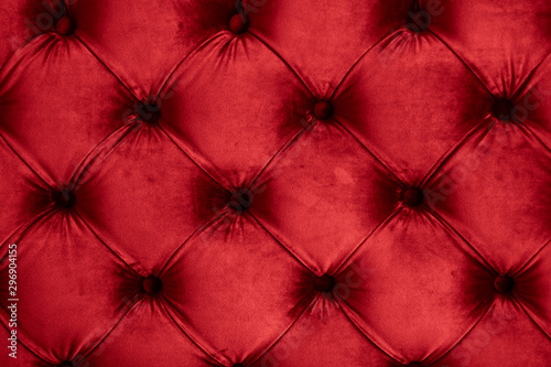 Keuken foto achterwand Stof Red luxury velour quilted sofa upholstery with buttons, elegant home decor texture and background