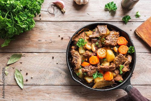Foto Meat and Vegetables Stew