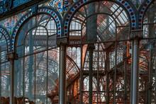 Palacio De Cristal. Parque De El Retiro, Madrid. Es Una Estructura De Metal Y Cristal Situada En El Parque De El Retiro Y Fue Levantado En 1887 Con Motivo De La Exposición De Flora De Las Islas Fpnas.