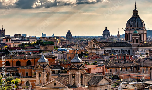 Tuinposter Oude gebouw View of old town Rome, as seen from Villa Borghese gardens; high angle view.