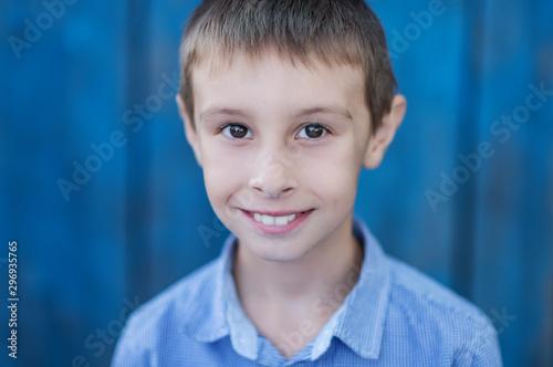 Pinturas sobre lienzo  portrait of beautiful boy outside