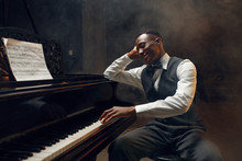 Black Grand Piano Player, Jazz...