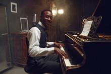 Black Grand Piano Player, Jazz...
