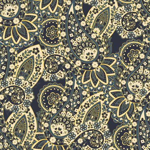 Cuadros en Lienzo  Damask floral pattern. Paisley vector background