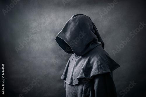 Fotomural Scary figure in hooded cloak