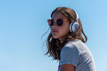 Cute Girl With Sunglasses And ...