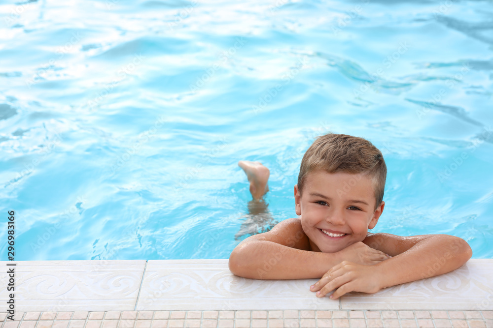 Fototapety, obrazy: Cute little boy in outdoor swimming pool