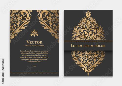 Foto  Gold vintage greeting card design with a black background