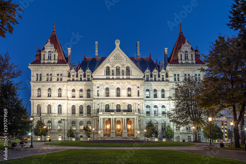 Albany, New York, USA - 16:9 Ratio Night View of the New York State Capitol Buil Canvas-taulu