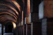 Arcos Antiguos De Piedra Y Lad...