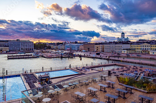 Türaufkleber Schiff Helsinki. Finland. Panorama of the waterfront of Helsinki. Recreation area in Helsinki harbour.Outdoor swimming pool in Finland.Nicholas cathedral. Water excursions to Helsinki.Finland on a cloudy day
