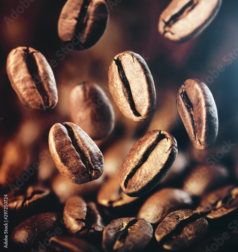 Staande foto Koffiebonen brown coffee beans