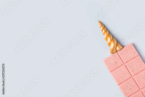 Stampa su Tela Bar of pink chocolate with gold unicorn horn