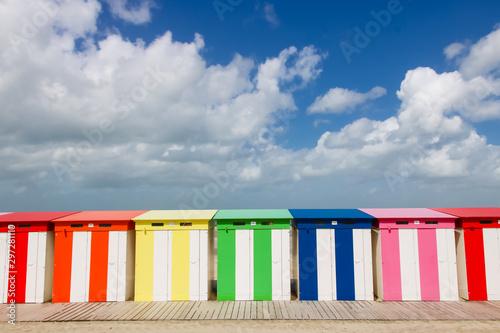 Canvas Print Malo les Bains: cabines de plage en été