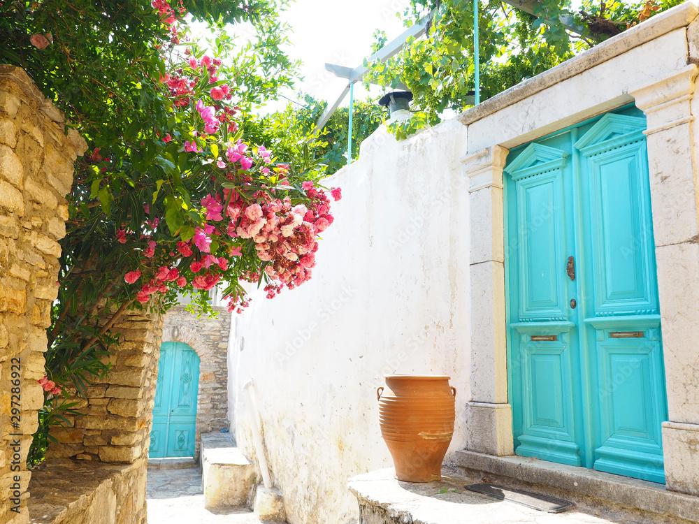 Ulica w Simi - Grecja <span>plik: #297286922 | autor: Ina Ludwig</span>