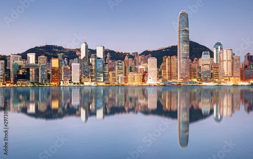 Night and Skyline of Urban Architecture in Hong Kong Tableau sur Toile