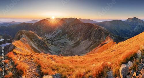 Montage in der Fensternische Rotglühen Beautiful colorful sunset over Mountain landscape panorama, Rohace - Slovakia Tatras