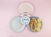 Intermittent Fasting Concept W...