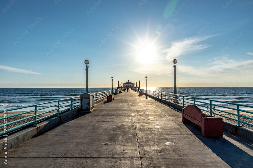 Fototapeta scenic pier at Manhattan Beach near Los Angeles in sunset