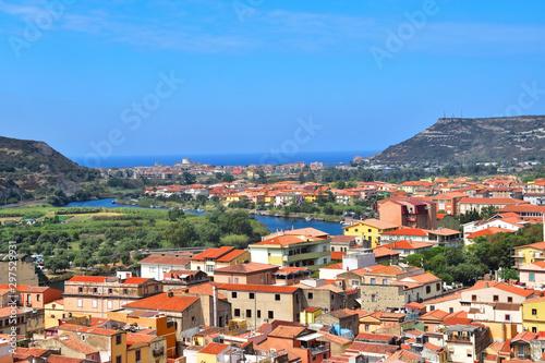 Fototapeta Panorama miasta Bosa na Sardynii obraz