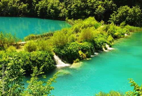 Montage in der Fensternische Reef grun waterfalls of Plitvice Lakes National Park in Croatia
