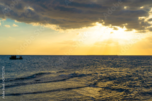 Sunset in the Caribbean sea, Tunas de Zaza, Cuba Fototapeta
