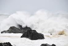 波 台風 大波 高波 水しぶき