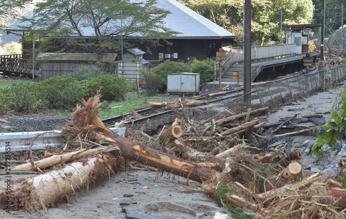 災害 災害地 被災 地震 水害 台風 Fotobehang