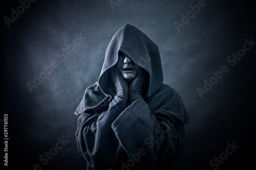 Stampa su Tela Ghostly figure in hooded cloak