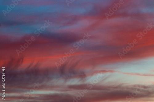 Montage in der Fensternische Hochrote Colorful purple sunset background in sky