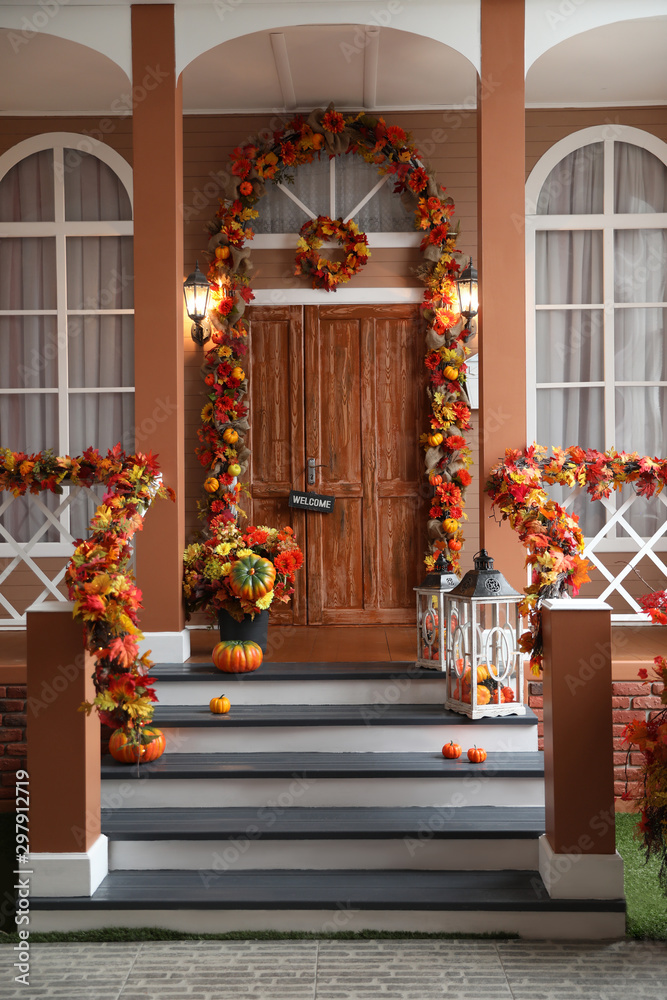 Fototapety, obrazy: House entrance decorated for traditional autumn holidays
