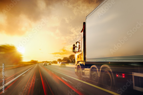 Fotomural  Lorry Cargo Transport Delivery in motion, United Kingdom M1 Motorway