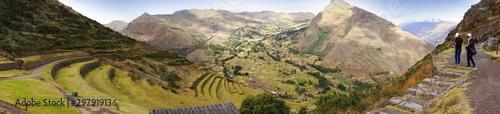 Tarasy Pisac w dolinie Urubamba w Andach Peru