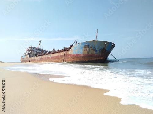 Photo Stands Shipwreck ship