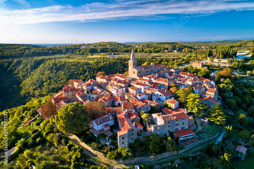 Obraz Groznjan. Ancient hill village of Groznjan aerial panoramic view - fototapety do salonu