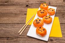 Funny Halloween Sushi Pumpkins...