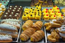 Italian Pastry Shop. Showcase ...