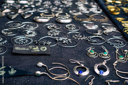 Slika na platnu Closeup of jewelry sold in a shop in the streets of Rome