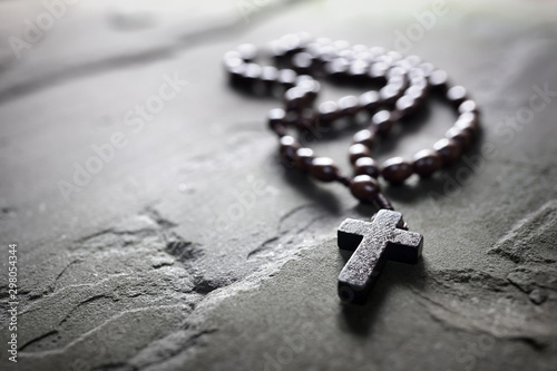 Fotomural Rosary beads and crucifix cross with copy space
