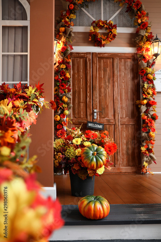 Fotomural House entrance decorated for traditional autumn holidays