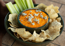 Buffalo Chicken Dip With Chips