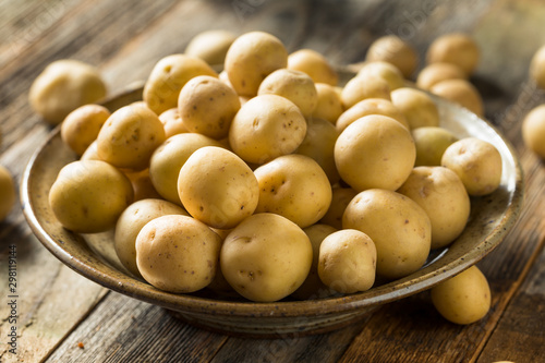 Fotomural  Organic White Baby Potatoes
